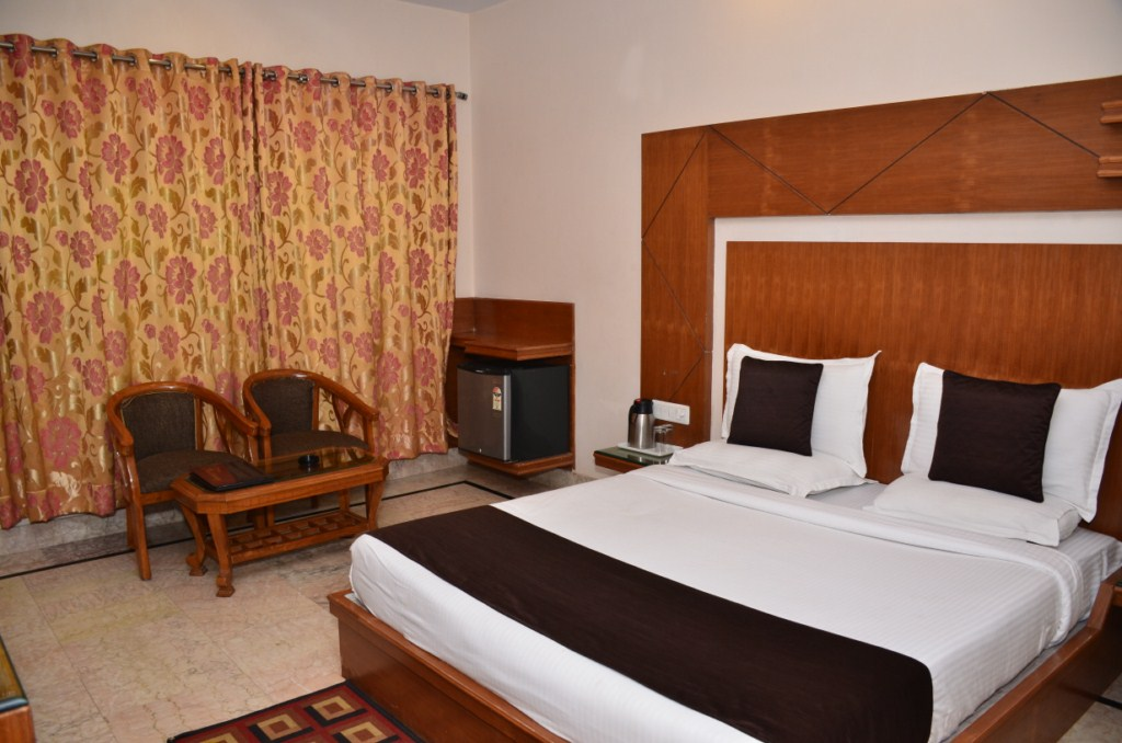 Deluxe AC Room7 at Basera Brij Bhoomi